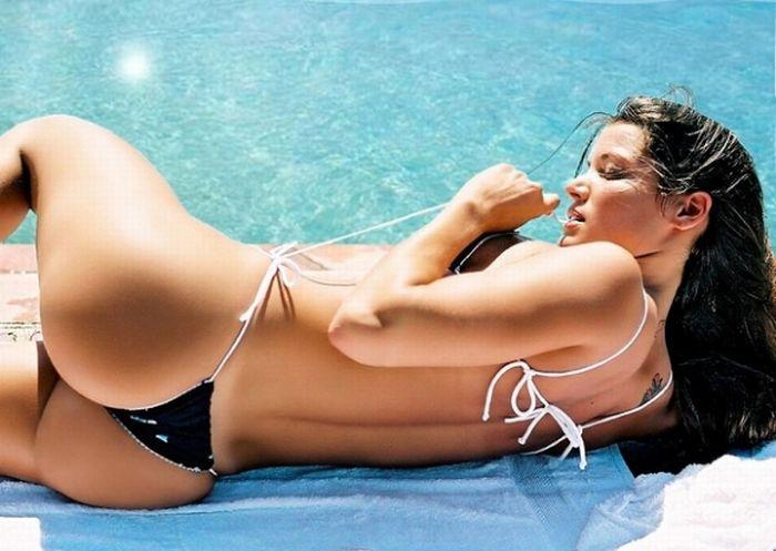 Brazilian Beach Butts (34 pics)