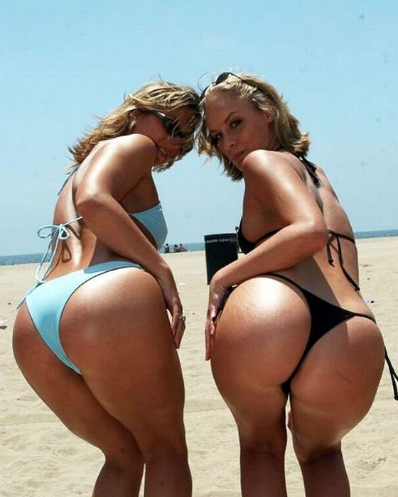 Brazilian Beach Butts (34 pics)