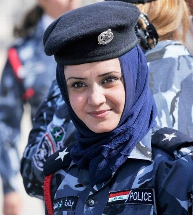 Police Women from the Different Countries (53 pics)