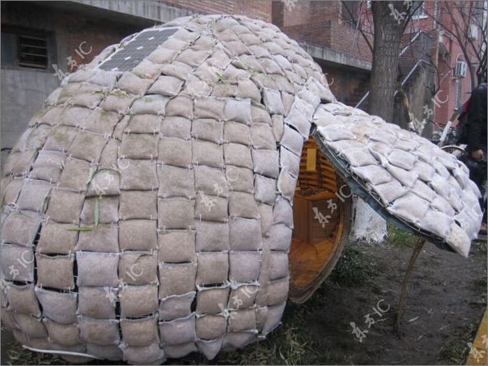 Egg House for Homeless People (23 pics)