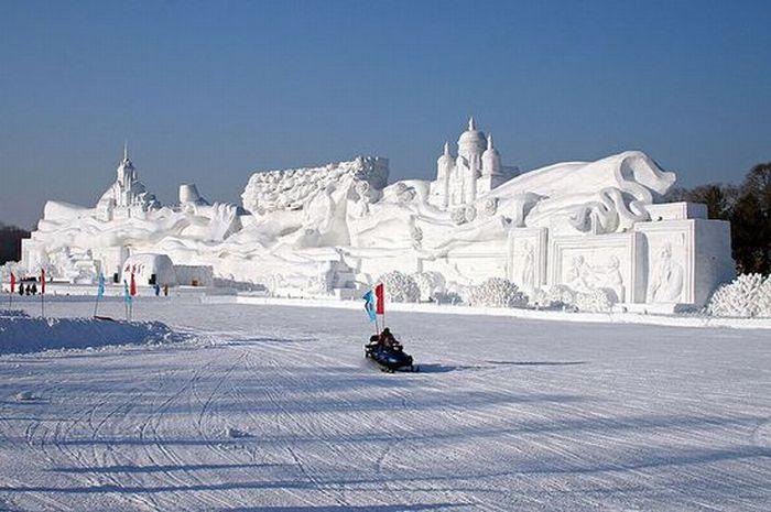 Amazing Snow Sculptures (53 pics)