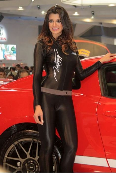how to become a car show model