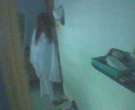 Ghosts Captured on Camera (44 pics)