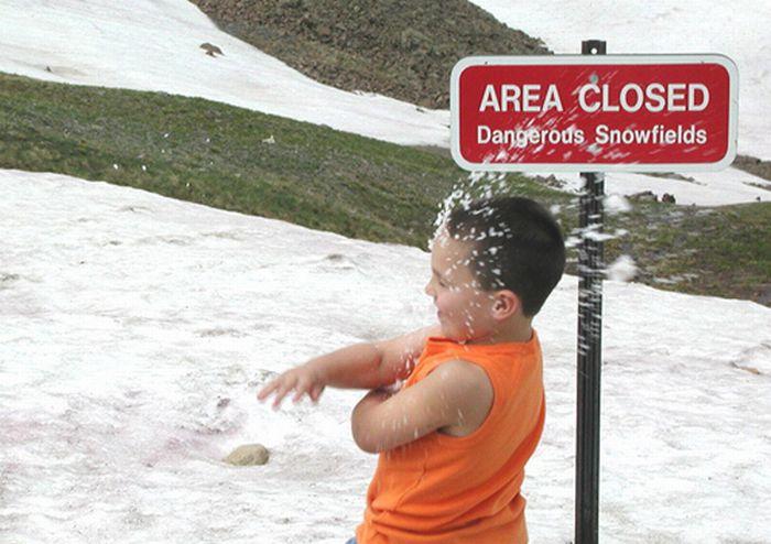 Getting Nailed by Snowballs (33 pics)
