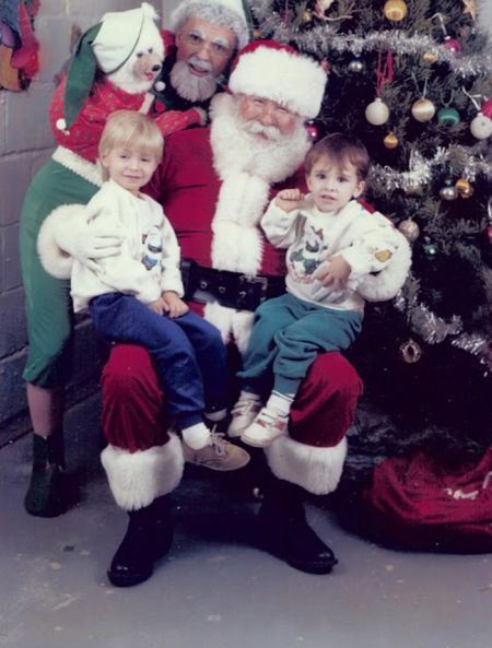 Awkward Christmas Photos From 1992 (25 pics)