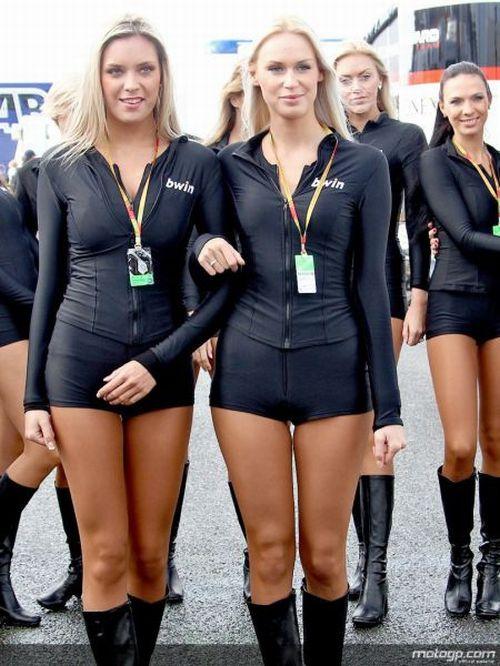 Sexy MotoGP Girls (30 pics)