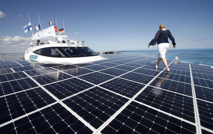 Catamaran with Solar Panels (9 pics)