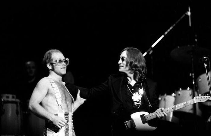 John Lennon in Pictures (24 pics)