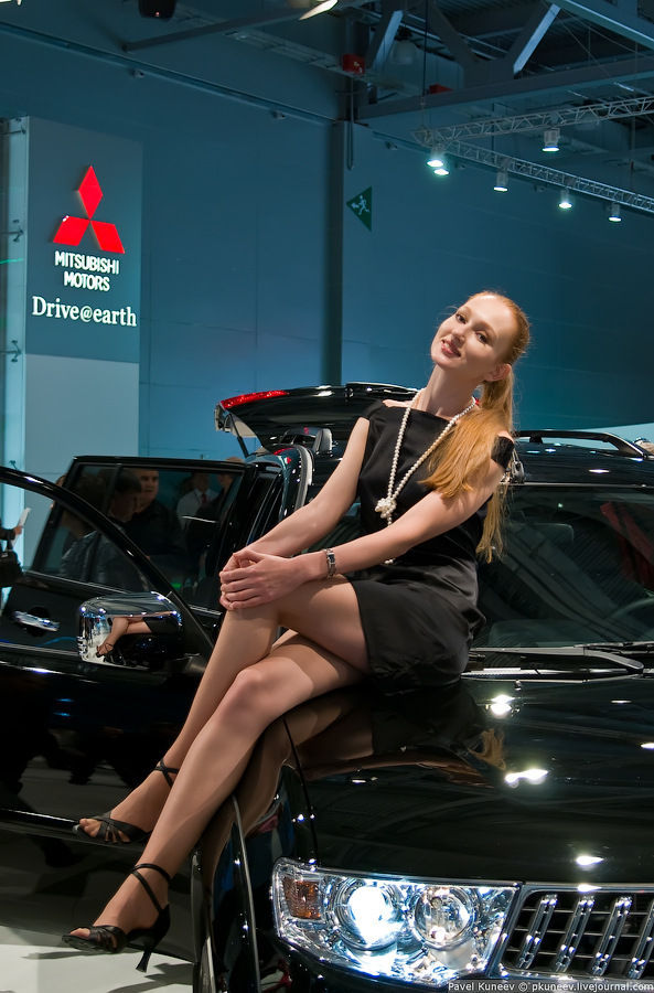 Girls of Moscow International Automobile Show (43 pics)