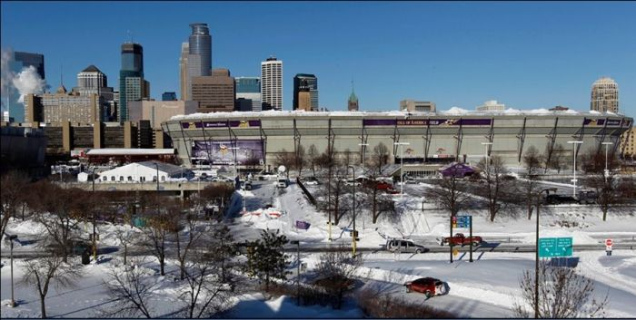 Metrodome Roof Collapses (11 pics + video)