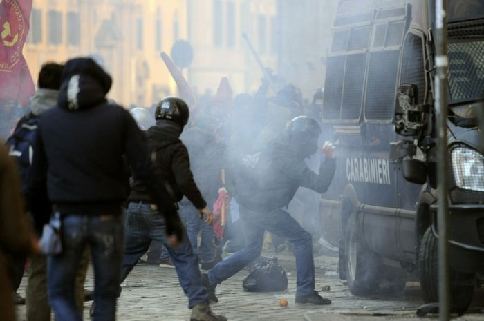 Clashes in Rome (36 pics)