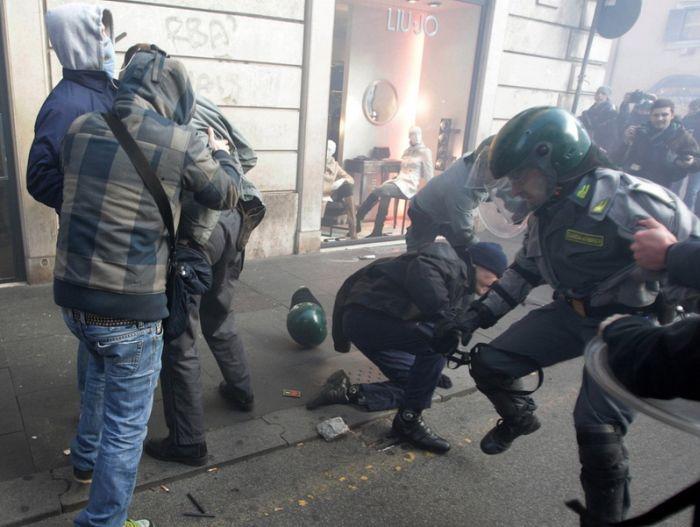 Clashes in Rome (36 pics)