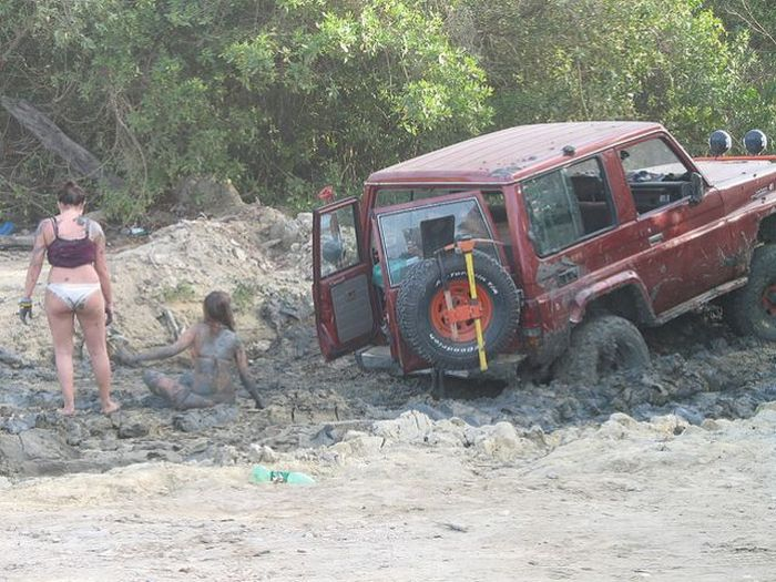 These Guys Are Badly Stuck (7 pics)