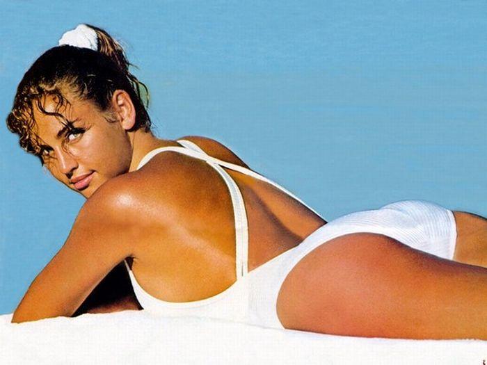 25 Hottest Victoria Secret Models Since 1977 (25 pics)