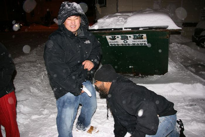Posing with Snow Dicks (30 pics)