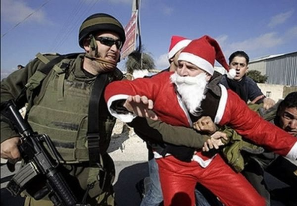 Santa Getting Arrested (14 pics)