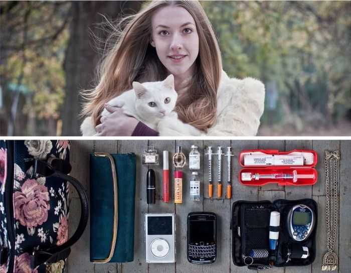 Things That People Carry. Part 2 (45 pics)