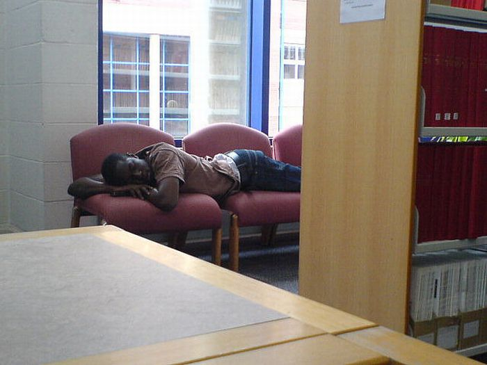 Sleeping in the Library (45 pics)