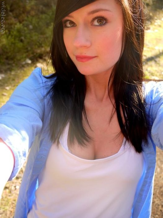 Hottest girls on internet