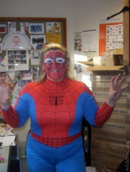 Awesome Costumes (99 pics)