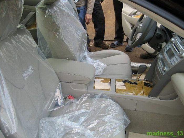 Demolition of Smuggled Cars in Russia (22 pics)