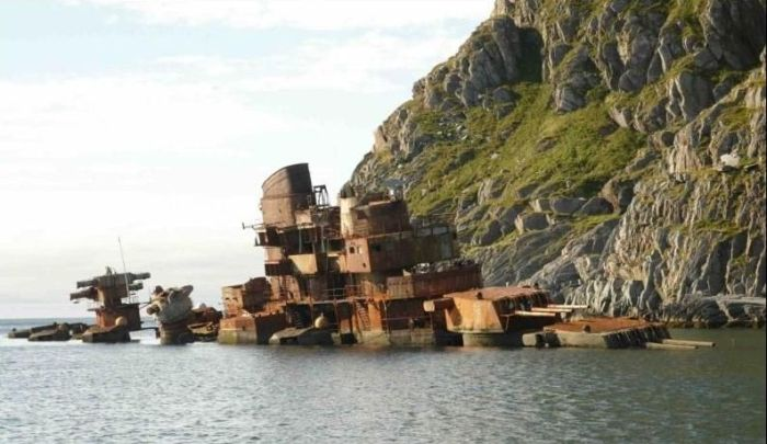 Abandoned and Wrecked Ships (67 piсs)