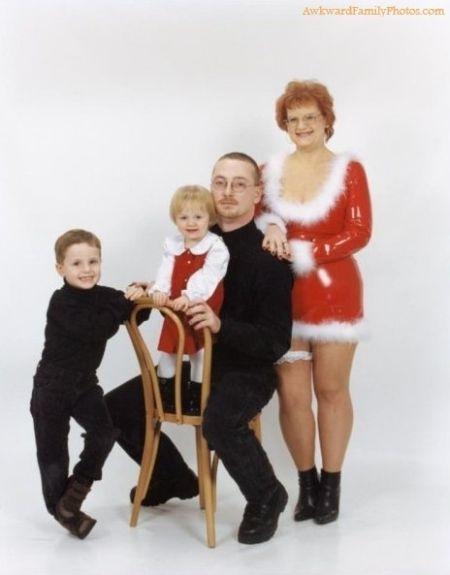 The Most Awkward Family Holiday Photos (20 pics)