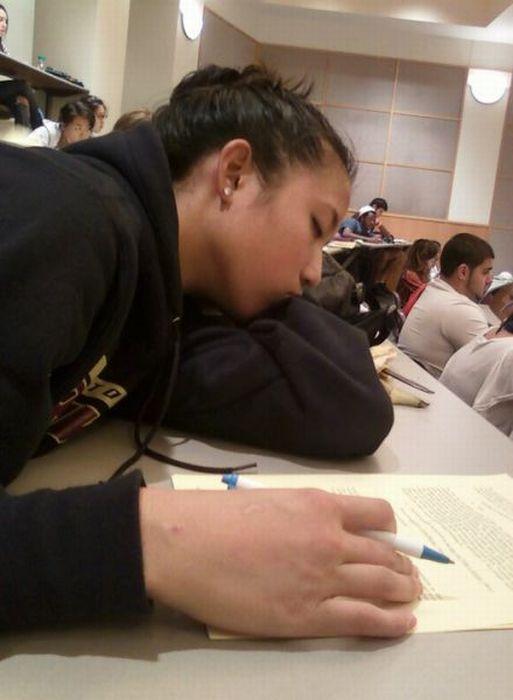 Where Asians Like to Sleep (81 pics)