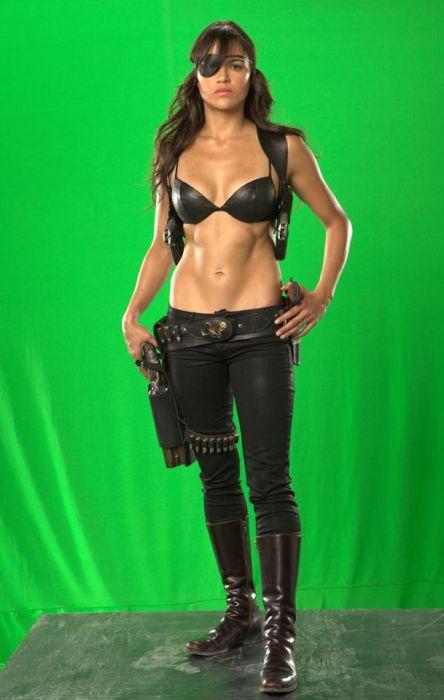 "Actresses from the Movie ""Machete"" (13 pics)"