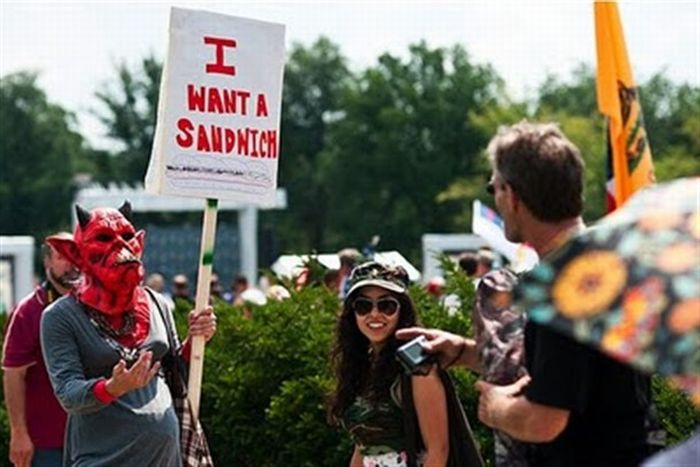 Funny Protest Signs (25 pics)