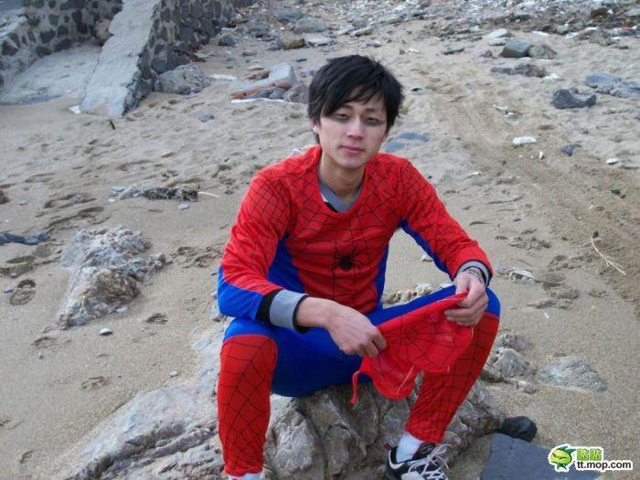 Chinese Spiderman (4 pics)