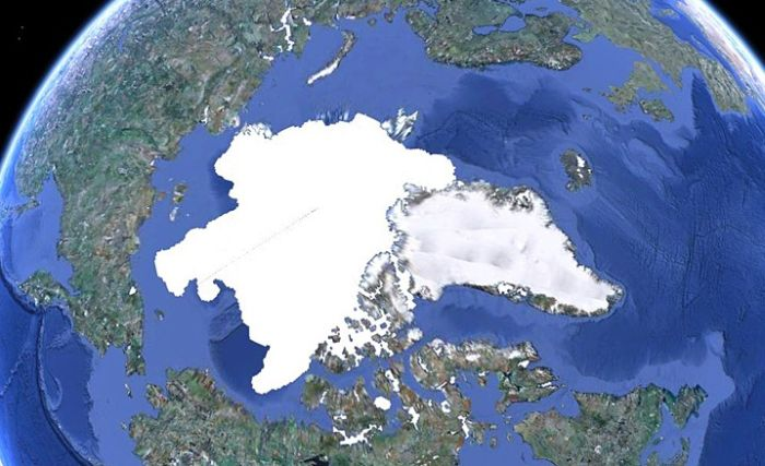 North Pole 2000 vs 2010 (3 pics)