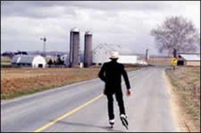 Rollerblading Amish People (32 pics)