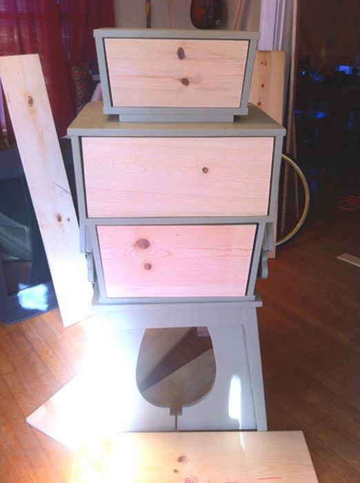 Built a Robot Dresser out of Table Scraps (25 pics)