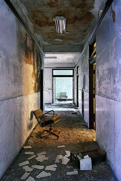 The Ruins of Detroit (25 pics)