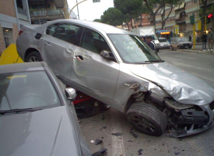 Ferrari Crash (3 pics)