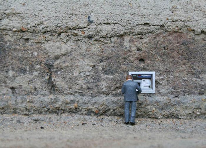 Little People – a Tiny Street Art Project (42 pics)