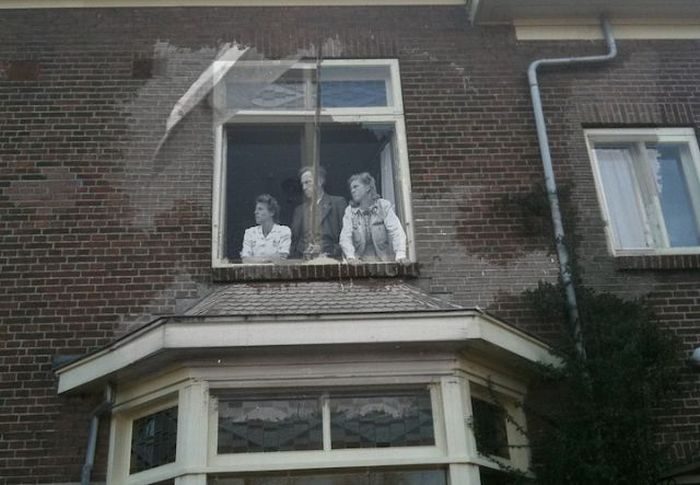 Apparitions from Amsterdam (12 pics)