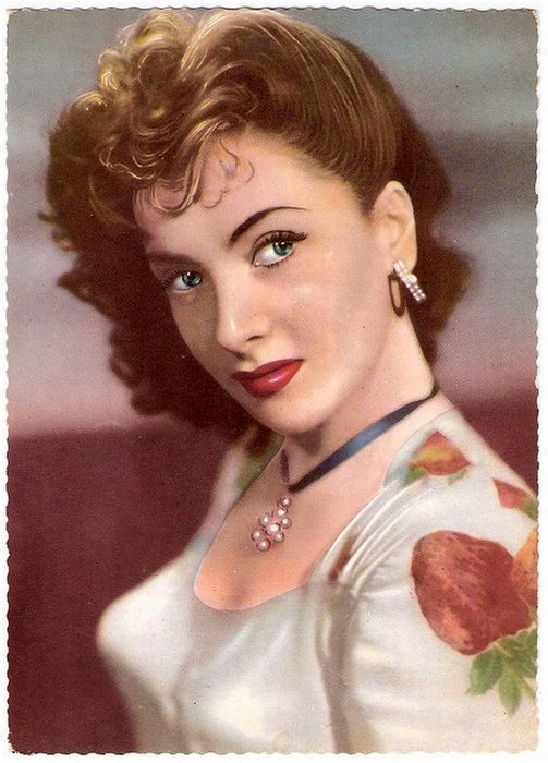 Vintage Pin Up Post Cards Of American And European Film
