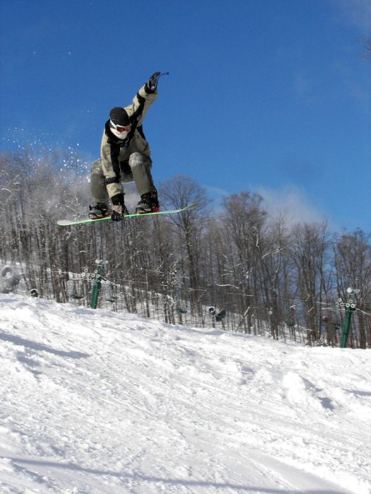 Snowboarding and Surfing (45 pics)