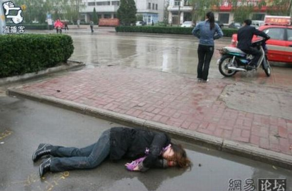 What to Do with a Drunk Japanese Man? (8 pics)