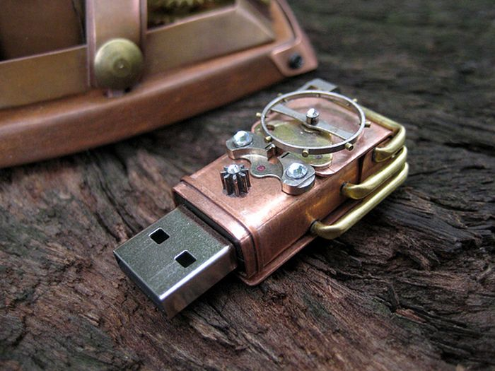 Rhombus Maximus – Wireless Steampunk Mouse (7 pics)