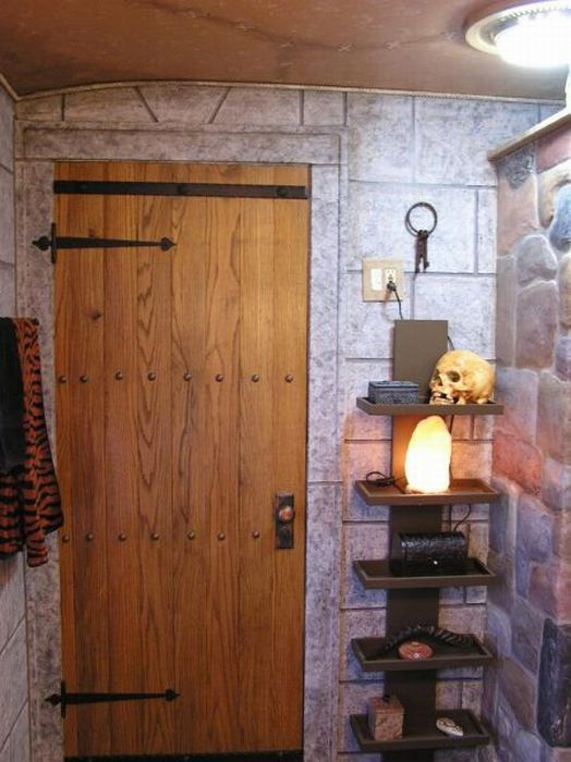 WoW Players Remodel Their Bathroom with a Horde Theme (31 pics)