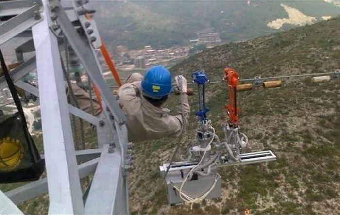 High Voltage Job (10 pics)