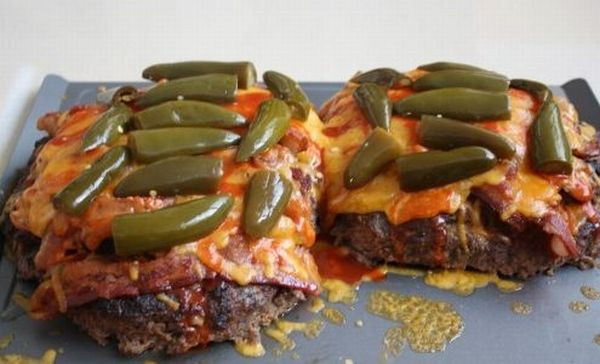 A Double Decker Pizza Burger (26 pics)