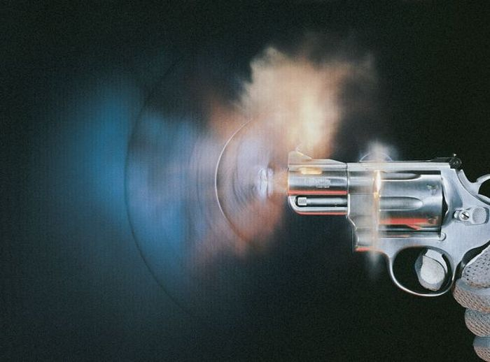 High-Speed Photographs of Bullets (26 pics)
