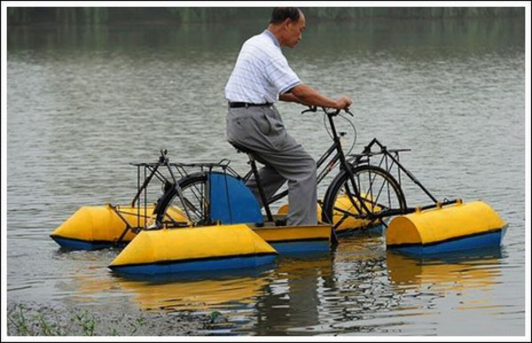 Water Bicycles (13 pics)