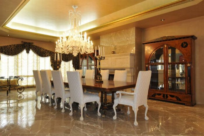 50 Cent Sells His House (15 pics)