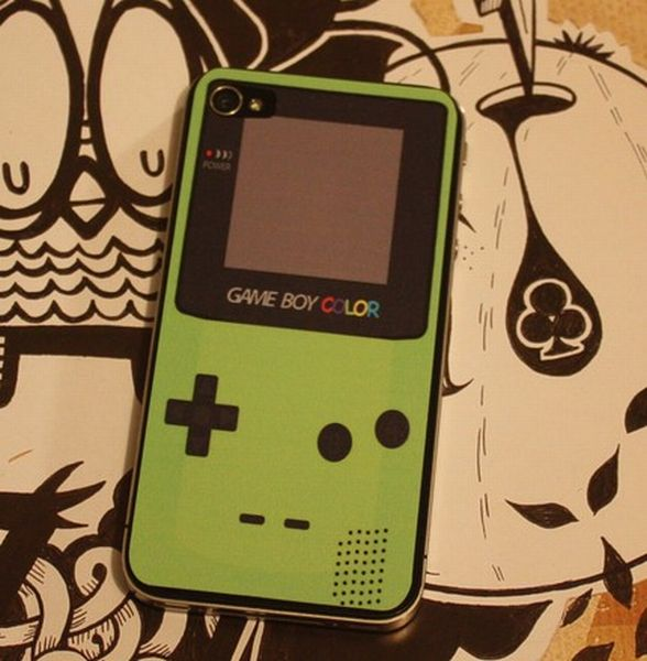Turn Your iPhone Into A Gameboy Color (10 pics)