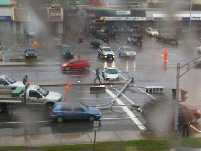 Mechanic Crashes Customer's Lamborghini (4 pics)